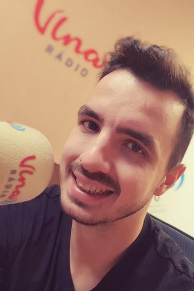 Moderátor Matej Martinček moderoval v rádio Vlna